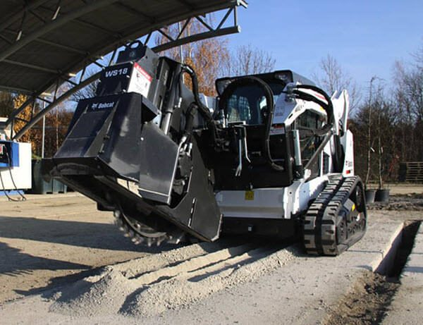 Bobcat_Compact_Track_Loaders_-_T590_2