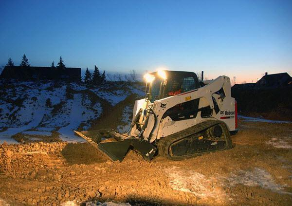 Bobcat_Compact_Track_Loaders_-_T650_1