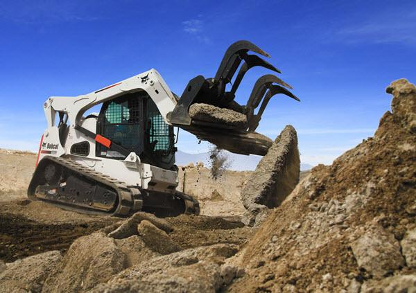 T870 Compact Tracked Loader