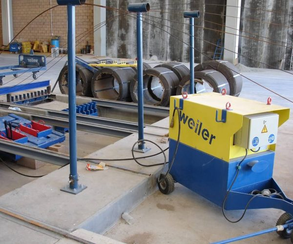 Stressing De-Tensioning Pumps