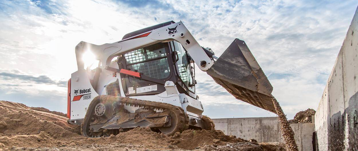 bobcat-t590-compact-track-loader-backfills-hero_hs_low